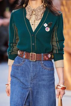 Chloé Fall 2020 Ready-to-Wear Collection - Vogue Fashion 2020, High Fashion, Fashion Show, Womens Fashion, Fashion Design, Fashion Trends, Look Chic, Mode Style, Mannequins