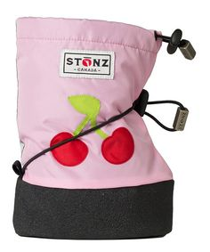 Whatever the weather, your little explorer is all set for their adventures with Stonz Booties! Water- and wind-resistant with a snug fleece lining, they ensure tiny toes stay cosy, while adjustable toggles give a flexible fit for growing feet. A soft, skid-resistant rubber sole is great for developing bones, and has been given the seal of approval by Canadian Podiatrists.