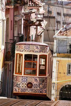 Tranvia alicatado. I love this azulejos decorated Lisbon tram!