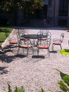 Garden chairs @ Villa Necchi Milan Italy Villa Necchi, Milan City, Outdoor Furniture Sets, Outdoor Decor, Garden Chairs, Gardening, Italy, Patio, Life