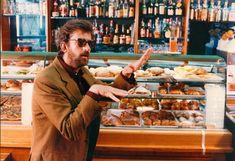 Nanni Moretti nel film 'Caro diario', parzialmente girato nelle isole Eolie.