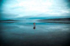 Il photographie ses huskys sur un lac gelé… Des paysages presque irréels et à couper le souffle !
