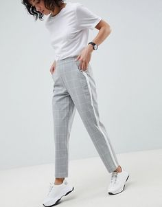 Browse online for the newest ASOS DESIGN grid check side stripe pants styles. Shop easier with ASOS' multiple payments and return options (Ts&Cs apply). Latest Outfits, Stylish Outfits, Cute Outfits, Fashion Outfits, Office Outfits, Outfits Leggins, Trouser Outfits, Costume Gris, Side Stripe Trousers