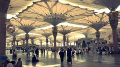 The giant umbrellas in Medina make it look like a city from Star Wars Unique Architecture, Islamic Architecture, Medina Saudi Arabia, House Of Saud, Inside Out Project, Architecture Wallpaper, Beautiful Places In The World, Moorish, Travel Inspiration