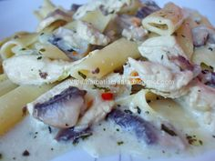 Paste cu pui si ciuperci Pasta Salad, Potato Salad, Food And Drink, Potatoes, Chicken, Ethnic Recipes, Cakes, Diet, Crab Pasta Salad