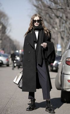 winter street style - oversized black melton coat - black scarf - navy tailored trousers worn with black doc martin boots. - Fall-Winter 2017 - 2018 Street Style Fashion Looks Young Fashion, Look Fashion, Fashion Models, Winter Fashion, Trendy Fashion, Looks Style, Style Me, Mode Outfits, Fashion Outfits