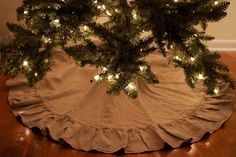 Christmas tree skirt.. burlap !