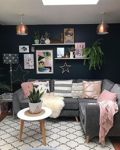 Back to Earth with a bump today after spending a lovely couple of days in London and going to the Congrats to my category… Navy Living Rooms, Living Room Colors, Living Room Grey, Living Room Sofa, Home Living Room, Interior Design Living Room, Living Room Designs, Living Room Decor, Kitchen Interior