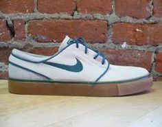 JUST bought a new pair of silver Nike Janoski's, but I really dig these colors on the NEW NEW pair.