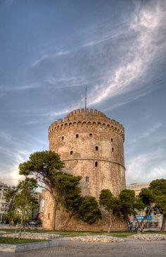 The White Tower in Thessaloniki, Greece Republic Of Macedonia, Cultural Capital, Greece Travel, Monument Valley, National Parks, Places To Visit, Greece Thessaloniki, Future Travel, Towers