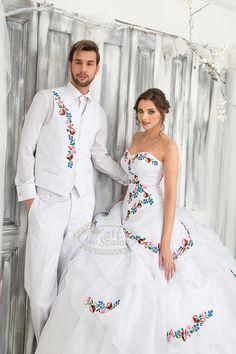 """Képtalálat a következőre: """"himzett öltöny"""" Folk Fashion, Womens Fashion, Polish Wedding, European Wedding, People Of Interest, Floral Crown, Traditional Dresses, Groom, Wedding Inspiration"""