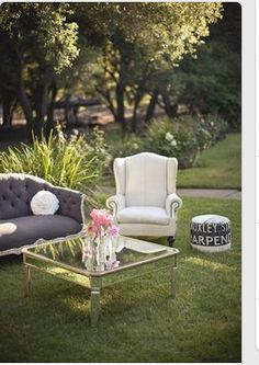 Found Vintage Rentals - Home outdoor Alternate View living room Beautiful Living Rooms, Beautiful Interiors, Beautiful Homes, Garden Furniture, Vintage Furniture, Outdoor Furniture Sets, Outdoor Lounge, Outdoor Chairs, Outdoor Decor