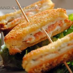Archives des fromage ails et fines herbes - Cook and Goûte Tea Sandwiches, Salmon Recipes, Veggie Recipes, Veggie Meals, Food Porn, Seafood Appetizers, Love Eat, Daily Meals, Healthy Dinner Recipes