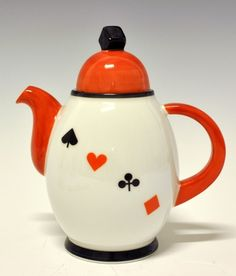 Coffee pot by Nora Gulbrandsen for Porsgrund Porselen. Paint Your Own Pottery, House Of Cards, Chocolate Pots, Ceramic Pottery, Museum, Tea Set, Art Nouveau, 1930s House, Price List
