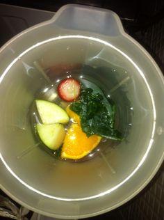 Suco de hoje: #macaverde #couve #morango #laranja #chia! 1 de Julho 2015!!