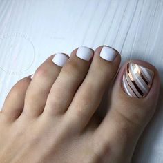The cutest Valentine's Day nails of this year! Gel Toe Nails, Acrylic Toe Nails, Painted Toe Nails, Feet Nails, Toe Nail Art, Toenail Art Designs, Pedicure Designs, Pedicure Nail Art, Pedicure Colors