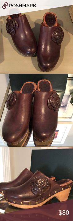 """Lucky Brand Clogs These have only been worn once! They have a very comfortable cushioned inside and are made of leather. Super cute, heel is about 2"""" Lucky Brand Shoes Mules & Clogs"""