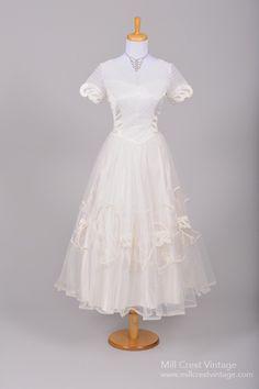 1950 Embroidered Tulle Vintage Wedding Dress