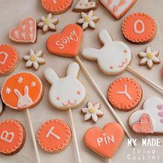 プレゼントに☆アイシングクッキー♬ ❣❣ꉂ ૡ(・ꈊ・ૣེ  Royal Icing Cookies ฝาก IG: sweetenupcafe ล่วยเน้ออ   Instagram ID : @songsweetsong @sweetupcafe  https://www.facebook.com/songsweetsongcafe