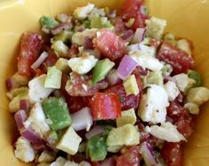 Avocado feta salsa-really tasty. More like a version of guac. The addition of lemon juice, red wine vinegar, olive oil, and feta made it different and so yum. Love this stuff. I Love Food, Good Food, Yummy Food, Tasty, Healthy Snacks, Healthy Eating, Healthy Recipes, Salad Recipes, Cooking Tips