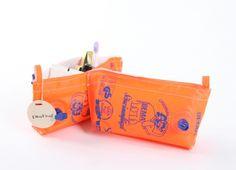 Beflügelt _ SchwimmflügelEtui pb # 71 | Astrid Jansen Pouch, Wallet, Coin Purse, Purses, Diy, Bags, Repurpose, Handbags, Bricolage