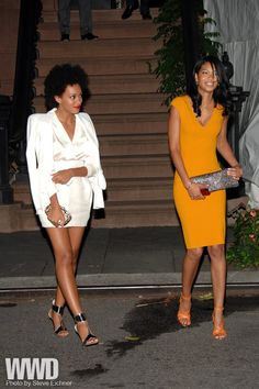 womensweardaily:    Sarah Jessica Parker Hosts Obama Dinner  Solange Knowles and Chanel Iman