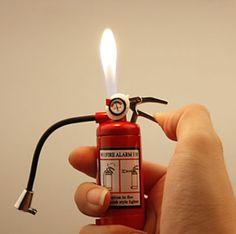 Isqueiro Extintor de Incêndio com Lanterna 2 em 1