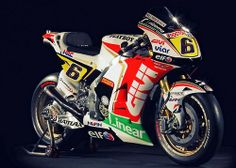 Bradl's honda rcv. Best paint job of the paddock. Grand Prix, Motogp Teams, Honda Wing, Course Moto, Motorcycle News, Bike Reviews, Racing Motorcycles, Super Bikes, Street Bikes