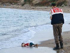 Corpo de menino sírio transforma-se no símbolo da crise de refugiados - JN
