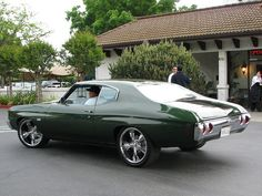 1972 Chevelle. I had a car just like this in High School. I regret getting rid of it!!