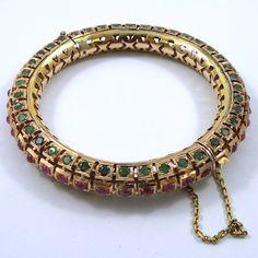 View our Jewelry Showcase Gold Temple Jewellery, Diamond Jewellery, Gold Jewelry, Gold Bangles Design, Jewelry Design, Trendy Jewelry, Fashion Jewelry, Bracelet Set, Bangle Bracelets