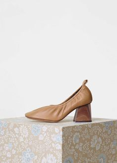 Soft Ballerina Pump with Marbled Wooden Heel in Nappa Lambskin - Céline