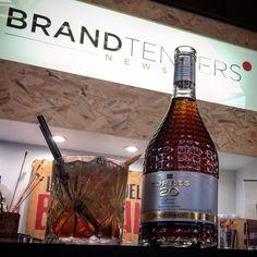 Momentarily #barcelonarumcongress #brc17 en nuestro stand y un coctelazo de Torres 20