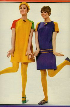 Colour blocking / razzle dazzle knits 4 {fashion feature from august 1967 seventeen magazine}