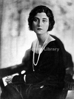Lady Evelyn Herbert, the only daughter of the Earl of Carnarvon and the first…