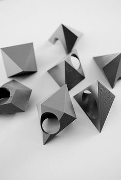 geometric wearables: pyramid rings and spikes made with cnc machine Contemporary Jewellery, Modern Jewelry, Jewelry Art, Jewelry Rings, Jewelry Accessories, Fashion Jewelry, Jewelry Shop, Fine Jewelry, Bijoux Design