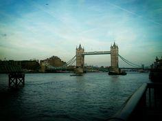 http://www.GraphicDesignNYC.net London bridge. Con Nuria Lorenzo