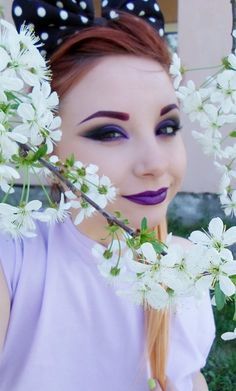 Fellow purple lipstick style for party