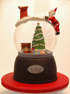 Snow globes contain all the magical wonders of the season. Check out the best snow globes from the user galleries, and get inspired to make. Christmas Cake Designs, Christmas Cake Decorations, Holiday Cakes, Christmas Goodies, Christmas Desserts, Christmas Treats, Christmas Cakes, Beautiful Cakes, Amazing Cakes