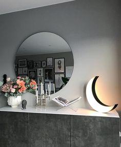 Living Room Mirrors, Living Room Color Schemes, Round Mirrors, Room Colors, Living Room Interior, My Dream Home, Interior Inspiration, Living Spaces, Room Decor