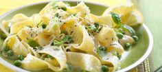 Easy and cheesy pasta is never a bad thing! This Pasta with Ricotta Cheese Sauce is sure to be a people-pleaser, whether you're serving your family or making it for a party. Sauce Recipes, Pasta Recipes, Dinner Recipes, Cooking Recipes, What's Cooking, Pesto, Ricotta Pasta, Food Dinners, Dinner Ideas