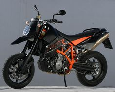 KTM 950 SM R #ktm #ktm950smr #australian #orange #supermoto #supermotard…