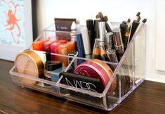 5 Steps to a Clean Makeup Bag # home make-up - Makeup Women Desktop Organization, Makeup Organization, Organization Station, All Things Beauty, Beauty Make Up, Rangement Makeup, Make Me Up, How To Make, Make Up Storage