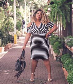 @mercattoplus me abalando emocionalmente com esse vestido! 😍 Listras para todos os lados, sim! . . . #MorenoLook #PluSize #LookDoDia #Ootd…