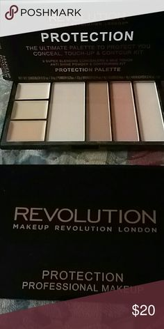 Makeup Revolution London & Beauty Bundle Brand new never been used, only opened for pictures. Features 3 Super Blending Concealers & Silk Touch Anti-Shine Powder & Contouring Kit. * Left trio features Blending Concealers,* Silk Touch Anti Shine Powder* Contouring Bronze* Contouring Blush* Contouring Highlight. Great for Light/Medium skin tones. Makeup Revolution Makeup Concealer