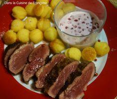 Magret de Canard et sa Sauce aux Airelles accompagné de Pommes Dauphine