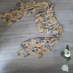 Marketplace for new and preloved fashion Fit 30, Save The Planet, Selling Online, Second Hand Clothes, Stuff To Buy, Fashion, Moda, Fashion Styles, Fashion Illustrations