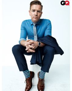 Brown shoes - how to wear - casual - blue pants and blue shirt w/ tie