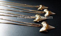 WT-N221 natürliche Großhandel große Hai Zahn von WKTjewelry auf Etsy