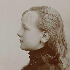 Portret van de jonge koningin Wilhelmina, Adolphe Zimmermans, 1891. Categorie Koningin Wilhelmina, Rijksmuseum, Amsterdam